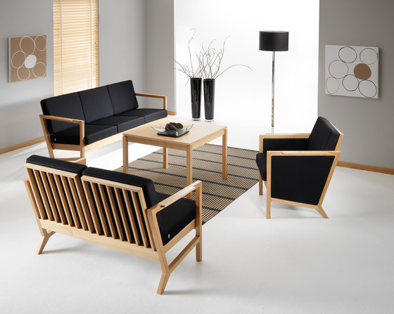 Modus bench by Helland