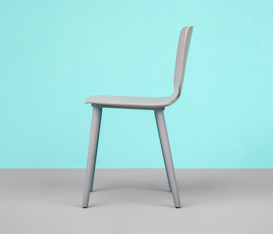 Babila chair in tecnopolymer by PEDRALI