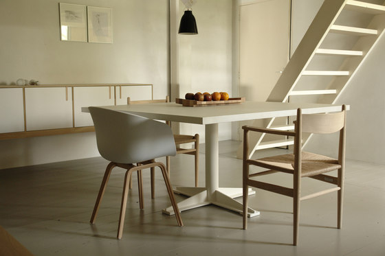 Dirk Jisk table by Pilat & Pilat