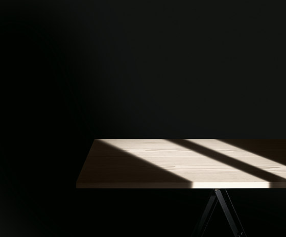 N.E.T. Table von MA/U Studio