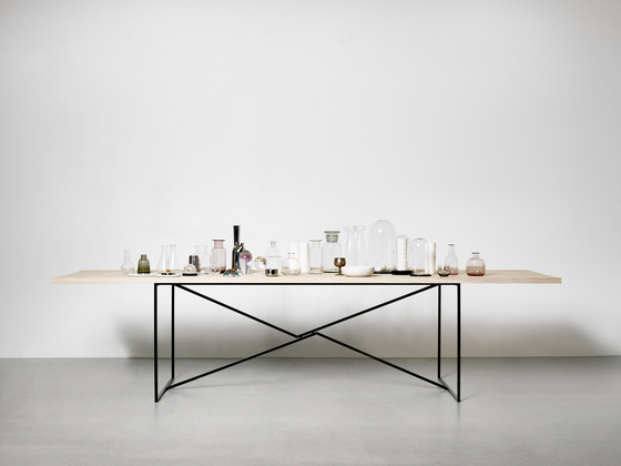 T.T.A. Table de MA/U Studio