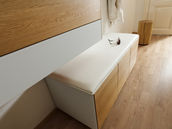 cubus diele standgarderoben von team 7 architonic. Black Bedroom Furniture Sets. Home Design Ideas