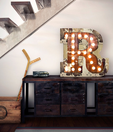 Graphic Lamp R by Delightfull