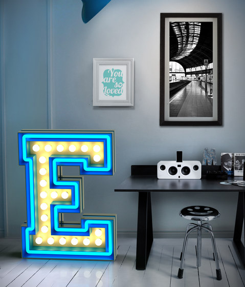 Graphic Lamp N by Delightfull