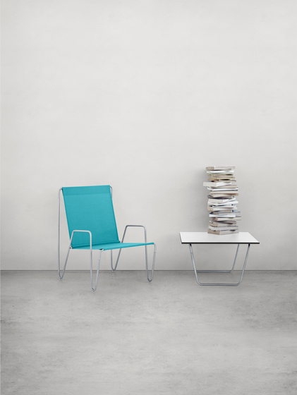 Panton Bachelor Chair with footstool | wild rose de Montana Møbler