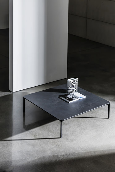 Slim Coffee Table H.46 Rectangular de Sovet