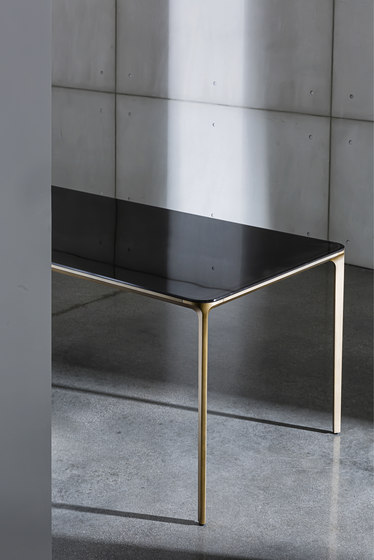 Slim Console Two Legs de Sovet