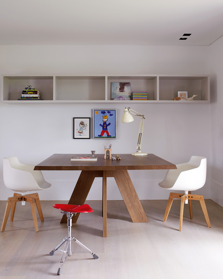 IDS dining table by Piet Boon
