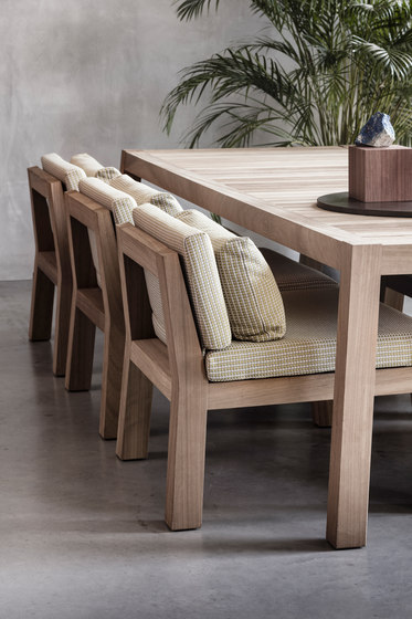 ANNE table by Piet Boon