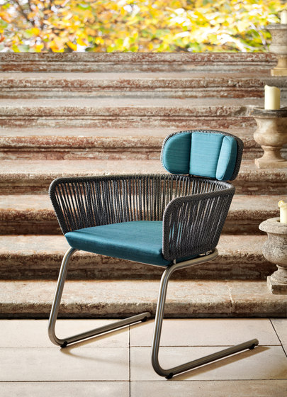 Finesse spring chair by solpuri