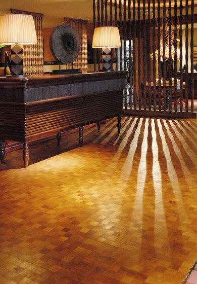 Domino floor di Deesawat