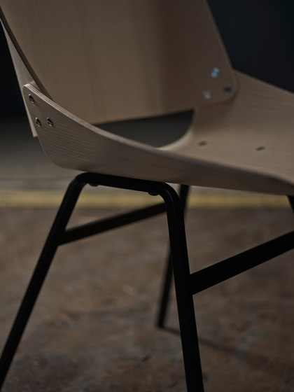 Shell Chair Black by Rex Kralj