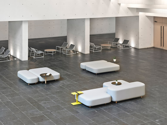 Common sofas | benches de viccarbe