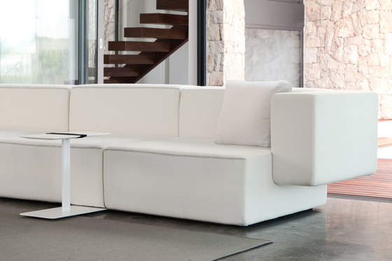 Step sofa 06 by viccarbe
