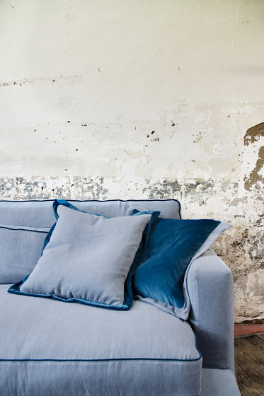 Eleven sofa leather by Loop & Co