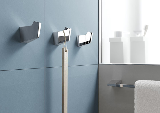 S2 swing towel bar di SONIA