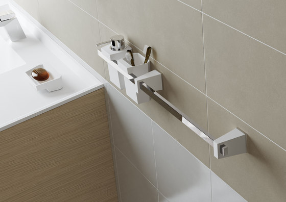 S4 towel bar 750mm by SONIA
