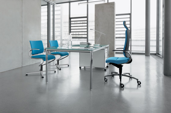 InTouch Cantilever chair by Dauphin