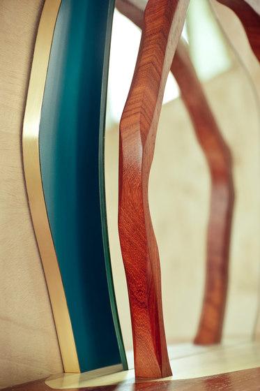 Ikebana II Wall mirror de Karen Chekerdjian