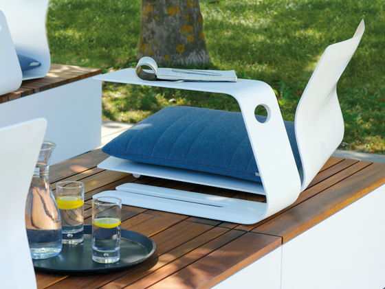 Low Table by Viteo