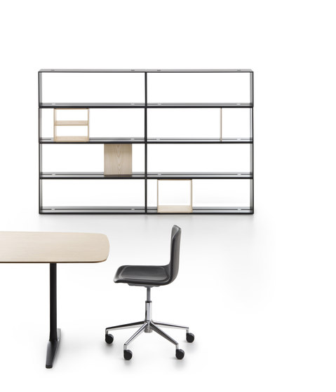 Offset Shelf by Maxdesign