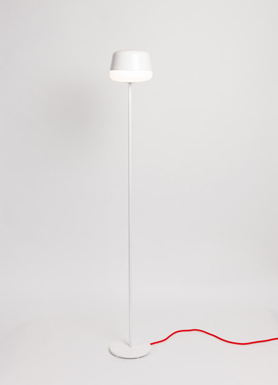 Kivi Mini Pendant Low shade by Blond Belysning