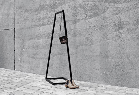 Lume shoe stand large by BEdesign