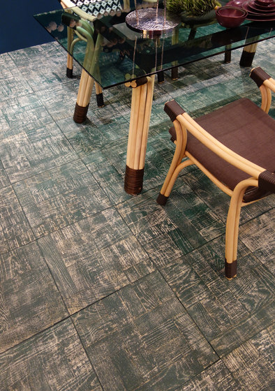 Antique colour flooring by Deesawat