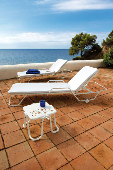 Nautic sun bed by Point