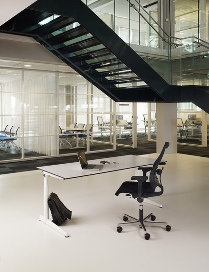 Ahrend 500 by Ahrend