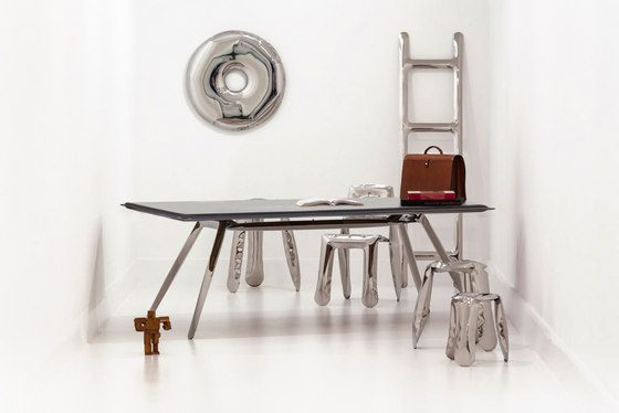 Carbon Table | inox steel by Zieta