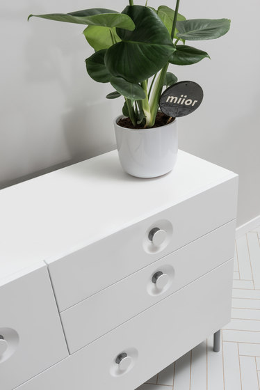 ELLA. Chest of Drawers di Miior