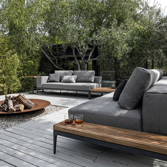 grid centre unit garden sofas from gloster furniture gmbh architonic. Black Bedroom Furniture Sets. Home Design Ideas