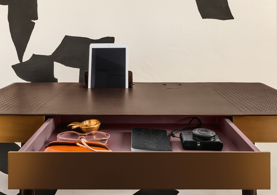 Pegasus Home Desk by ClassiCon