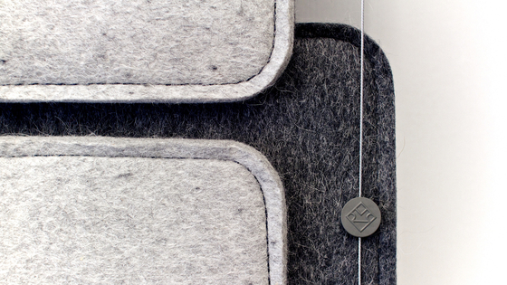 FeltTile - Dark grey and light grey di Rom & Tonik