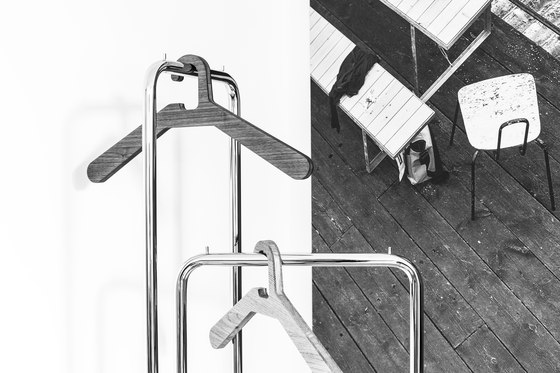0115. Coat Hanger di Schönbuch