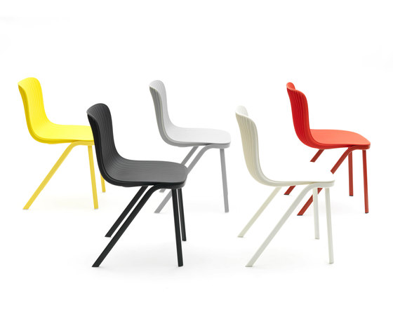 Dragonfly | Stacking chair by Segis