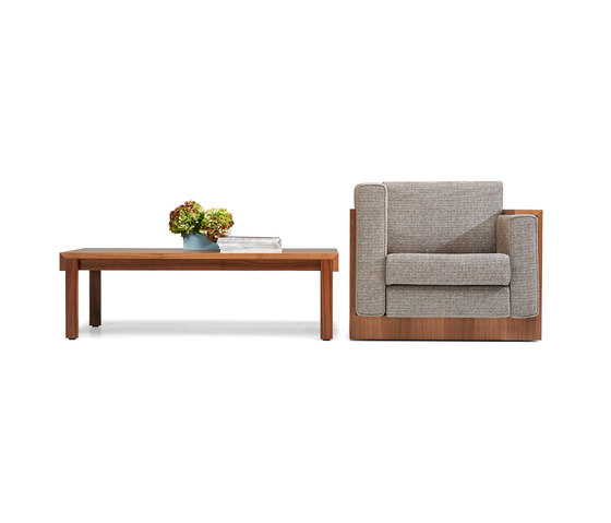 Alpha Seating Three-seater sofa by Neutra by VS