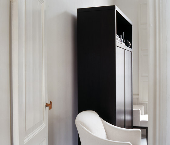 Lof cabinet cabinets by van rossum architonic for Hoher schrank