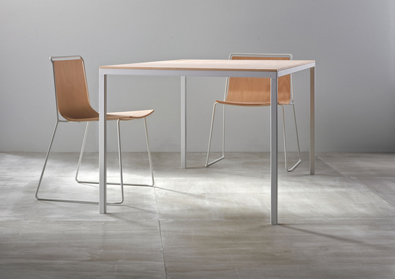 Dry Table by ONDARRETA