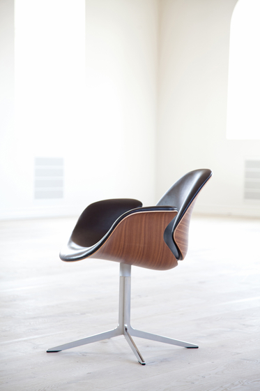 Council Lounge Chair von onecollection