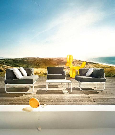 Poolside coffee table by solpuri