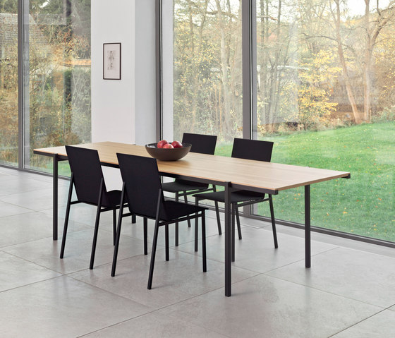 DL5 Neo table by LOEHR
