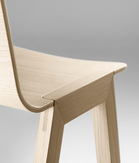 Heldu Table high by Alki