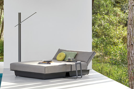 Air concept 5 lounger by Manutti