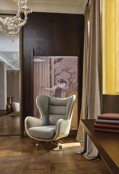 Butterfly armchair with pouf by Promemoria