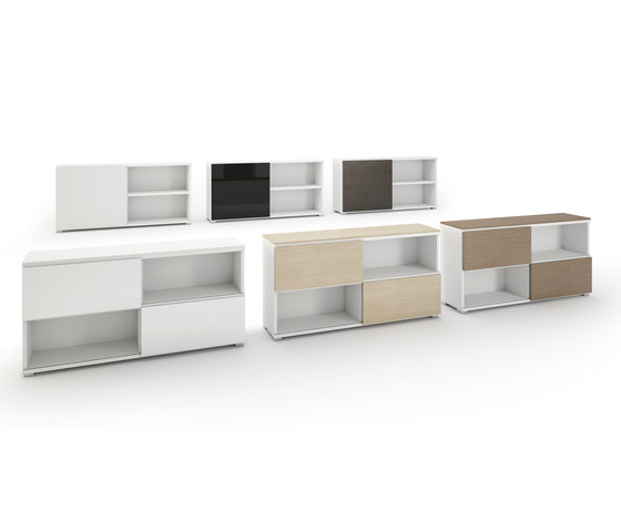 DV522-Bookshelve with sliding doors de DVO
