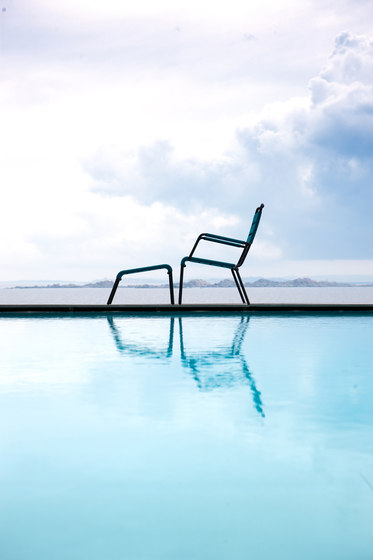 Camargue Armchair with footstool by Unopiù