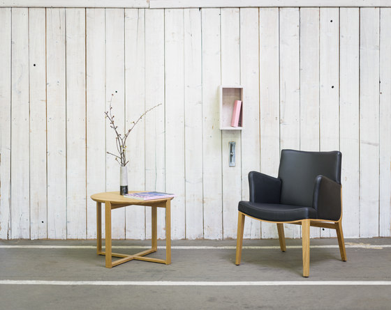 Moritz Lounge armchair by TON