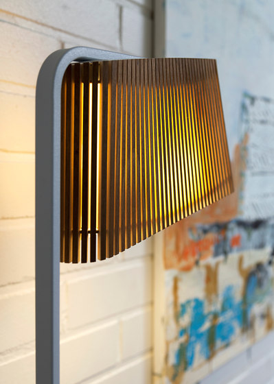 Owalo 7010 floor lamp di Secto Design